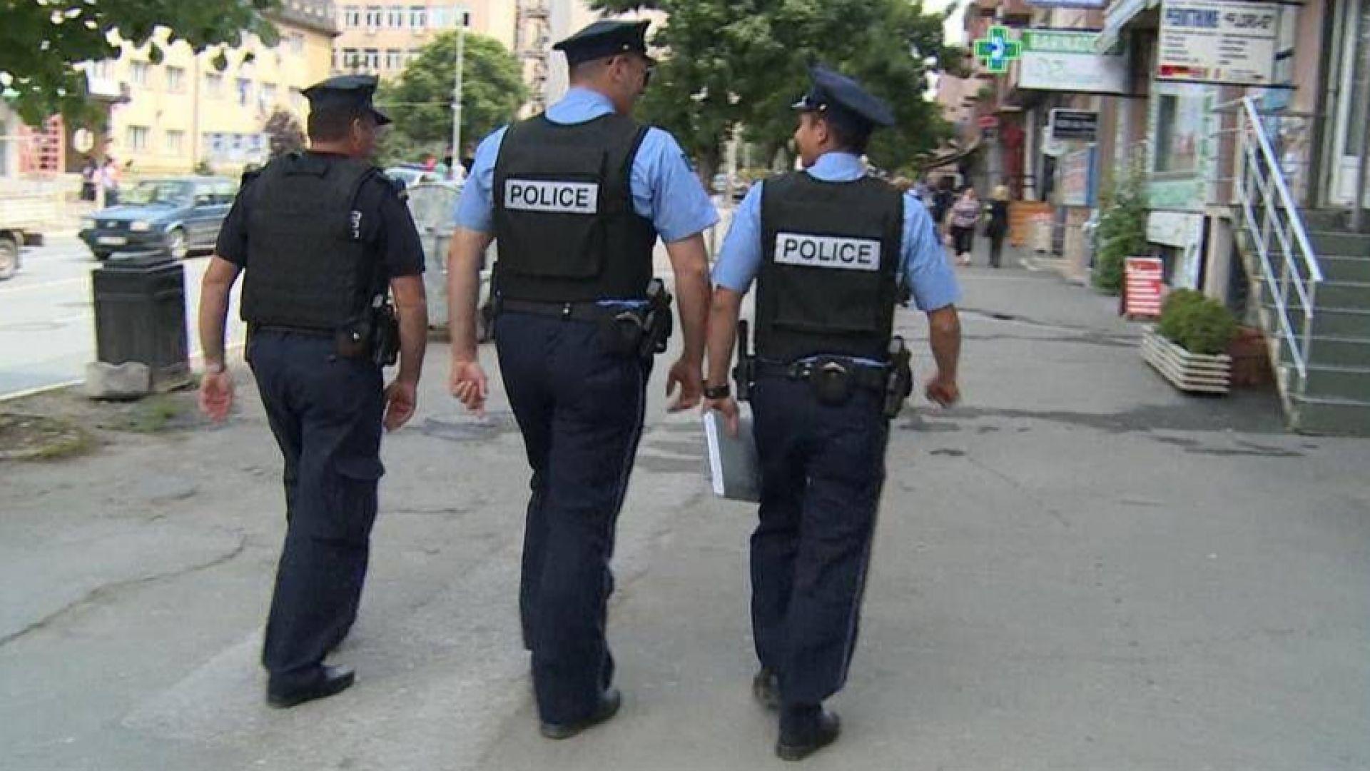 Полицайка в Косово уби родителите си и братята си, след което се самоуби (видео)