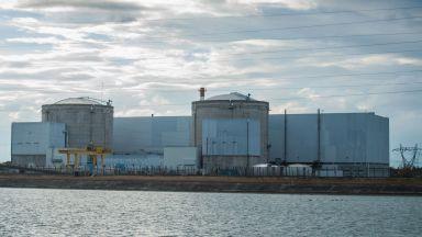 Франция затваря най-старата си ядрена централа