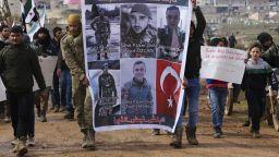 Москва готова да преговаря, Анкара плаши с военна сила