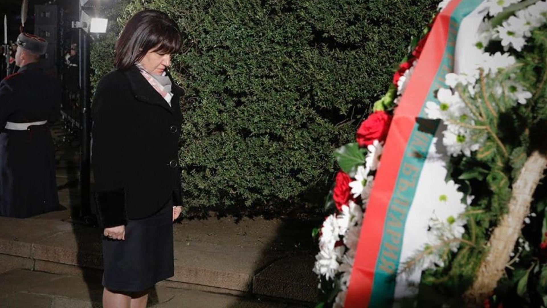Караянчева: Трябва ни свобода, а по пътя към Бесилото крачат самопровъзгласили се спасители
