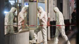 10 убити при стрелба в два бара и на площад в Германия (видео+снимки)