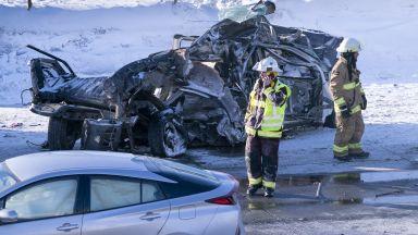Жертви и десетки ранени при верижен сблъсък на 200 коли в Канада (видео)