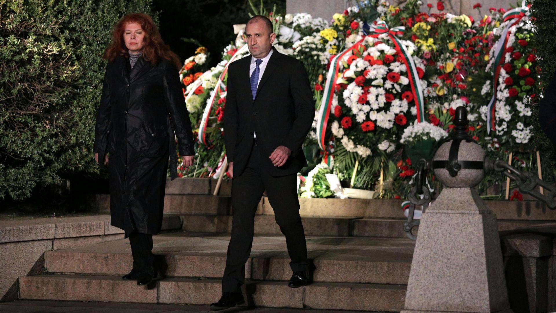 ГЕРБ поиска Румен Радев да се извини за поругаването на Васил Левски, БСП го защити