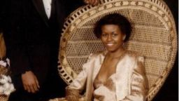 Мишел Обама с розова рокля на точки на бала