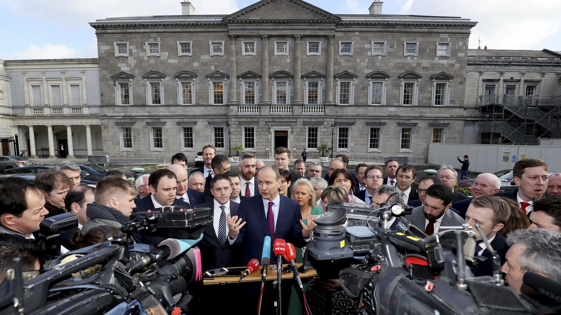 Ирландският парламент започна да съставя правителство