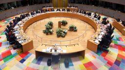 Безсънната нощ приключи без споразумение за бюджета на ЕС, лидерите ще преговарят пак
