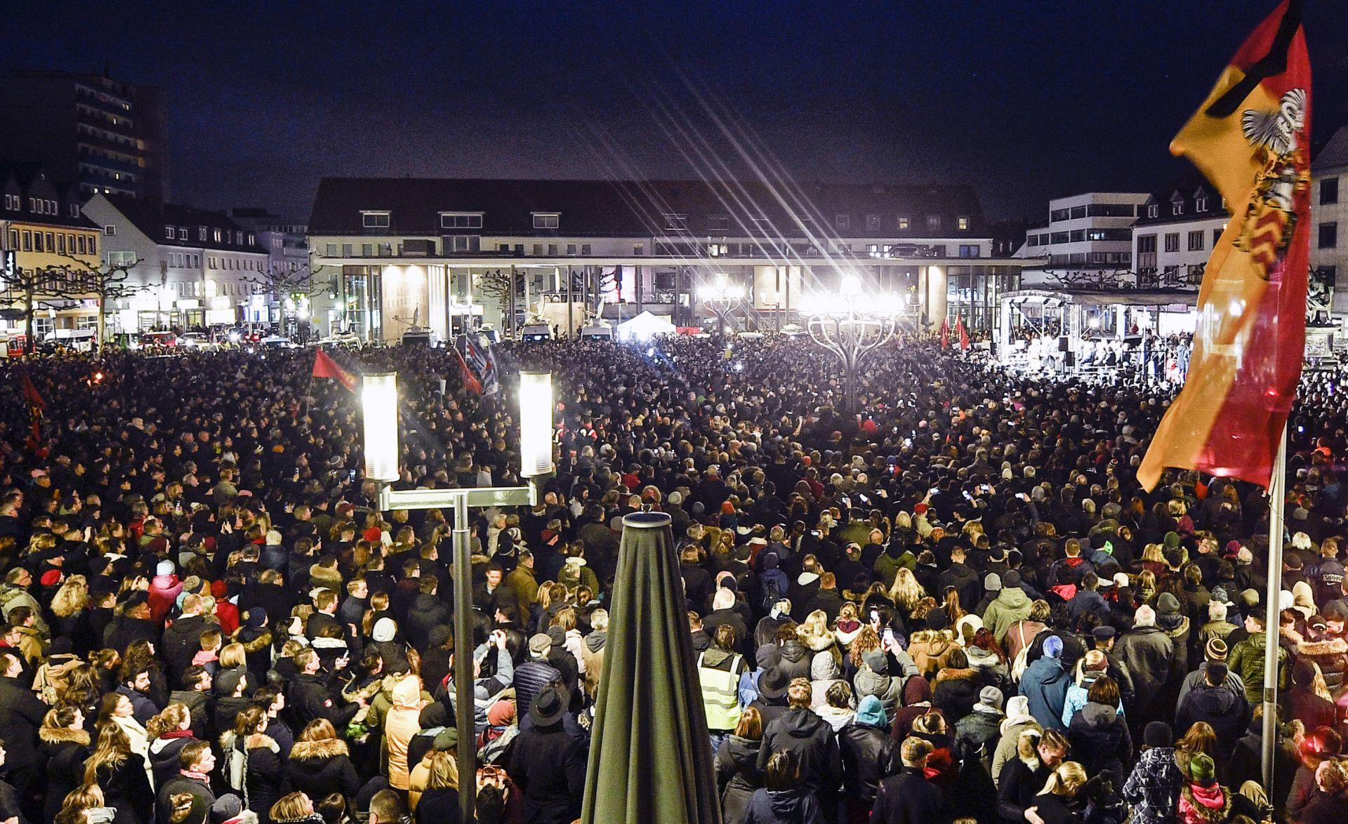 Паметта на жертвите беше почетена с минута мълчание и от актьорите и продуцентите на филмовия фестивал Берлинале.