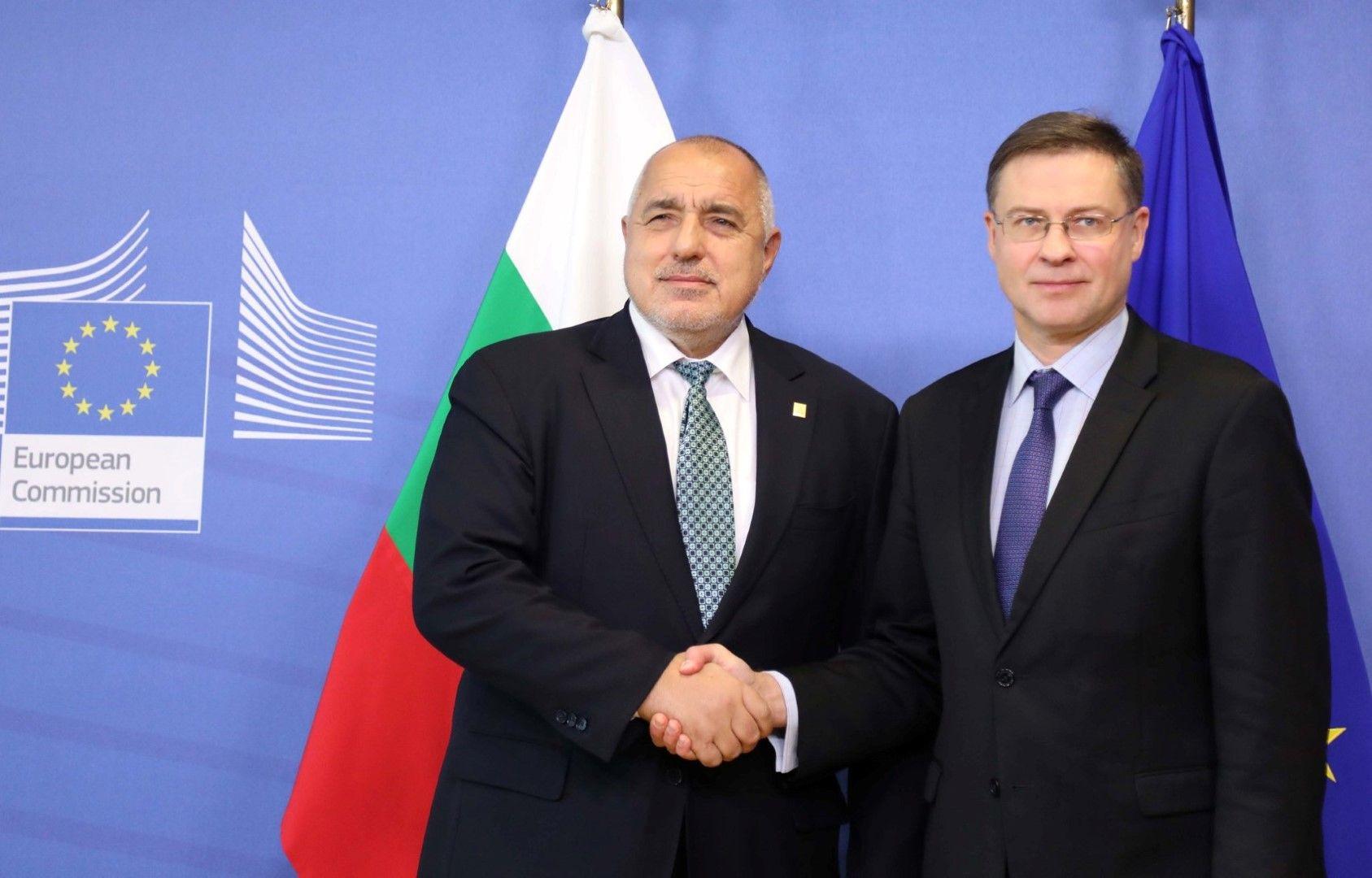 Бойко Борисов и Валдис Домбровскис обсъдиха бъдещото членство на България към чакалнята на еврозоната