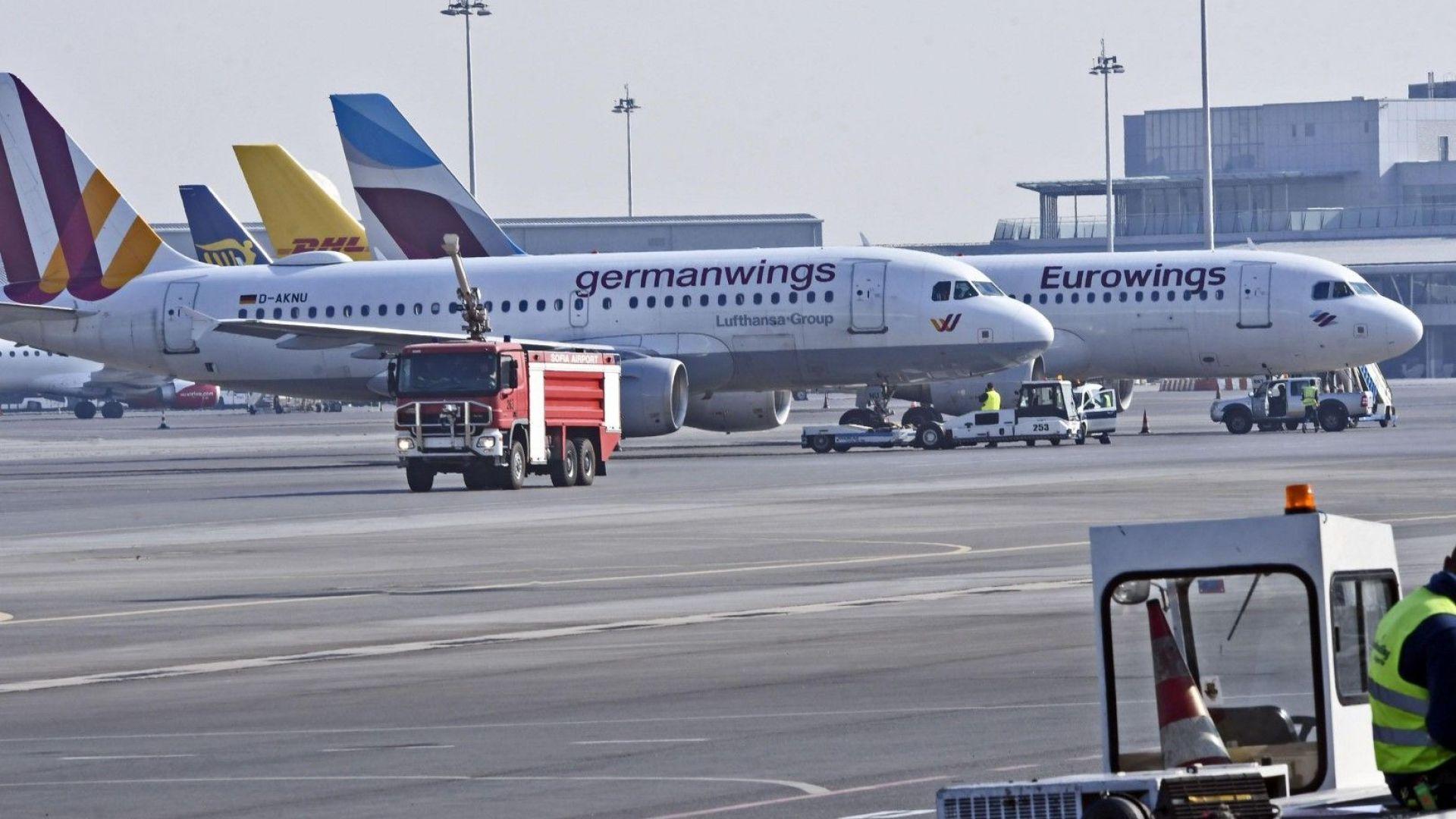 12 страни, сред тях България, настояват авиокомпаниите да не връщат пари на клиентите