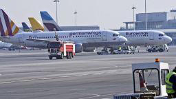 Буйстващи в самолет пътници може да бъдат привлечени като обвиняеми за тероризъм
