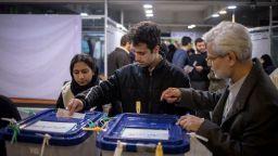 Силно представяне на хардлайнерите в Техеран на изборите