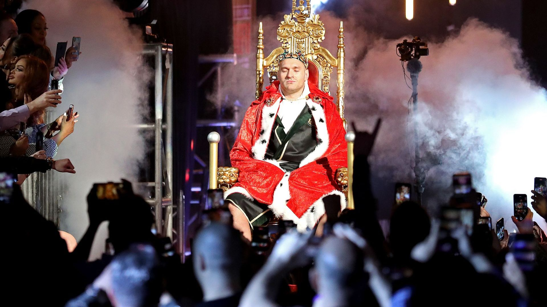 """Циганския крал """"няма какво да прави"""" и ще се бие до 40"""