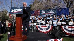 Радикалният социалист Бърни Сандърс печели в Невада, Доналд Тръмп отвърна с присмех