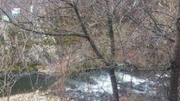 Повдигнаха обвинения на задържаните за замърсяването на река Юговска с цианид