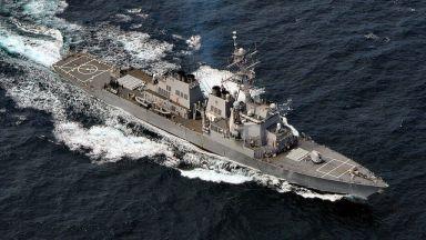 Американски ракетен кораб влезе в Черно море, руският флот го следи