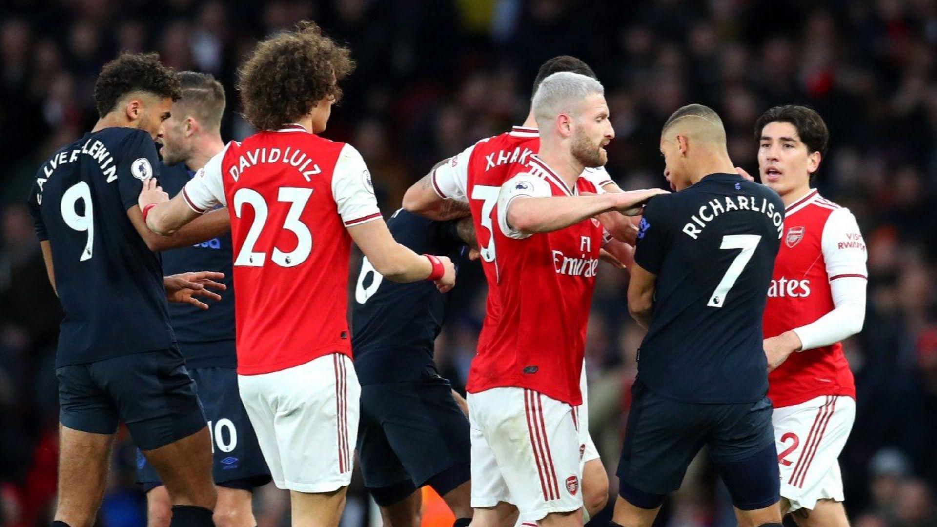 """С много късмет Арсенал открадна точките от """"карамелите"""""""
