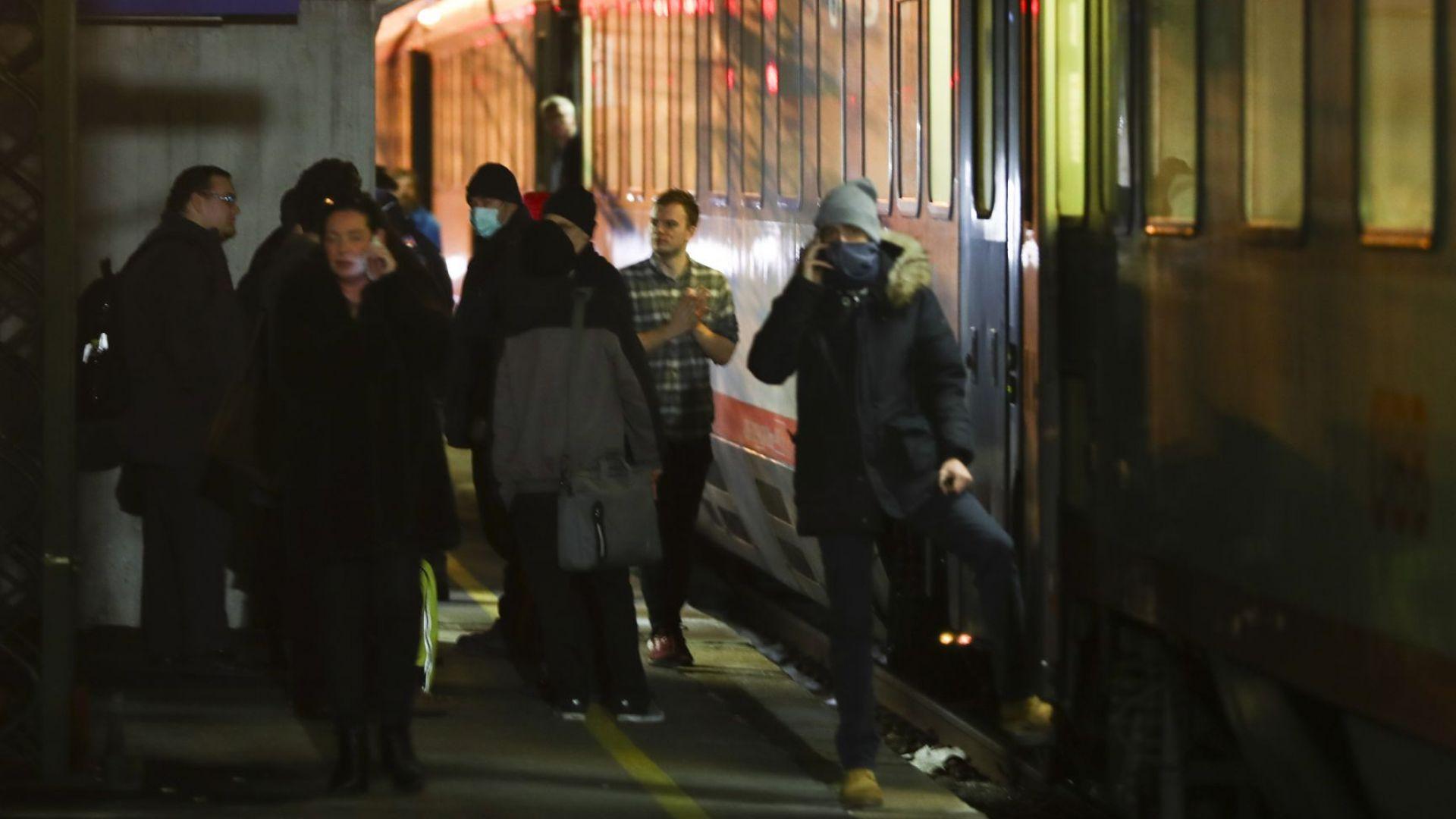 """""""Вирусна парализа"""" в Италия: Спряха влакове към Австрия, прекратиха карнавала във Венеция"""