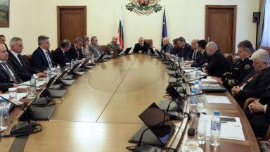 Национален щаб срещу COVID-19, препоръчват отмяна на публични прояви на закрито