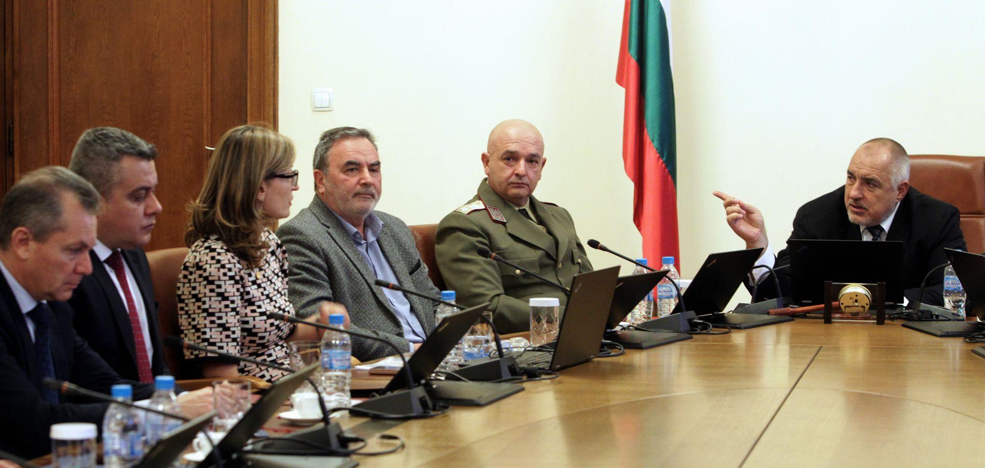 Шефът на ВМА генерал-майор д-р Венцислав Мутафчийски и главният здравен инспектор д-р Ангел Кунчев участваха в заседанието
