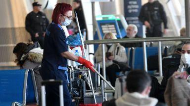 Авиокомпания няма да върне парите на семейство, отказало се да пътува до Италия