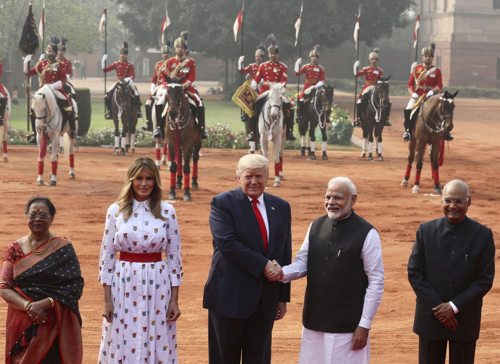 Индийският премиер посрещна високите гости