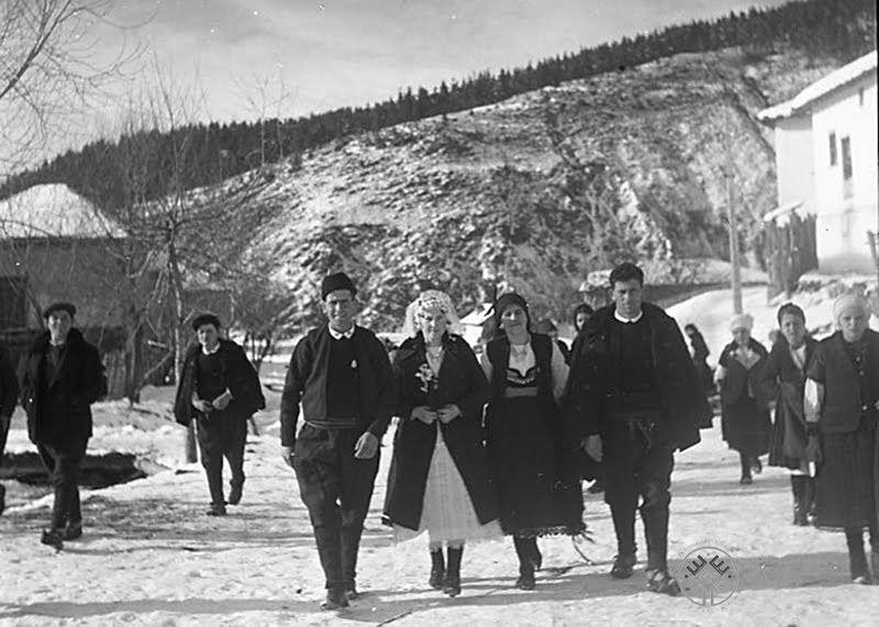 Отиване на Прошка, с. Шишманово, Михайловградско (дн. Монтана), 1943-45 г.