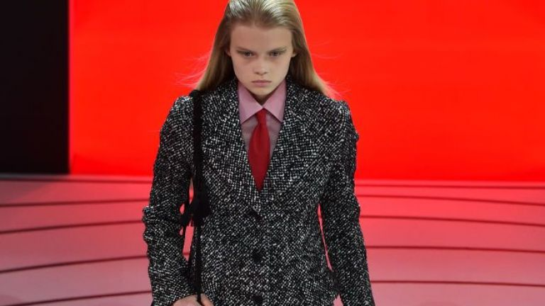 Седмицата на модата в Милано: палта, ресни и плетива за есен-зима 2020