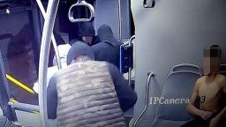 СДВР показа нападателите на момчето в столичния автобус (снимки)