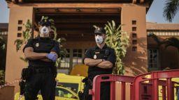 Стотиците гости на хотела в Тенерифе, сред които и българи, под ключ за 14 дни
