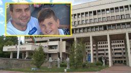 Дете протестира пред Външно министерство, търси помощ за баща си в Армения