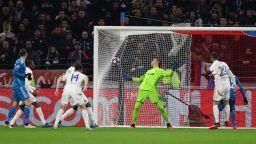 Лион наказа звездите на Ювентус и мечтае за четвъртфиналите