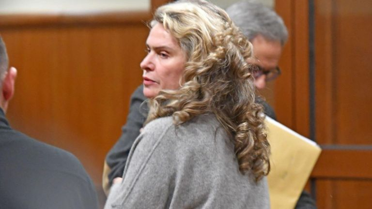 Прокуратурата ще повдигне второ обвинение на съпругата на бизнесмена Васил