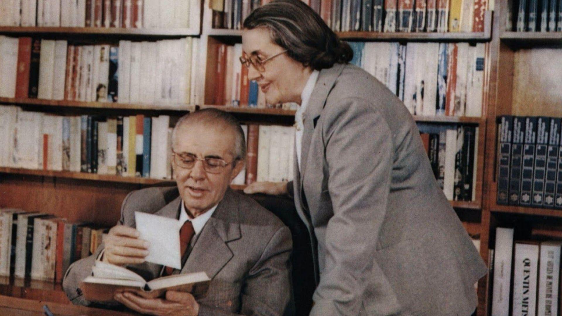 Вдовицата на бившия албански диктатор Енвер Ходжа - Неджмие почина