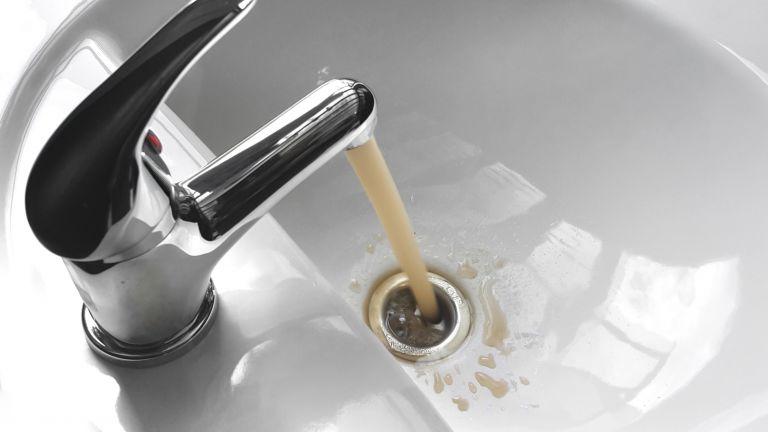 Вода с манган в пъти над нормата потече в чешмите на Брестовица