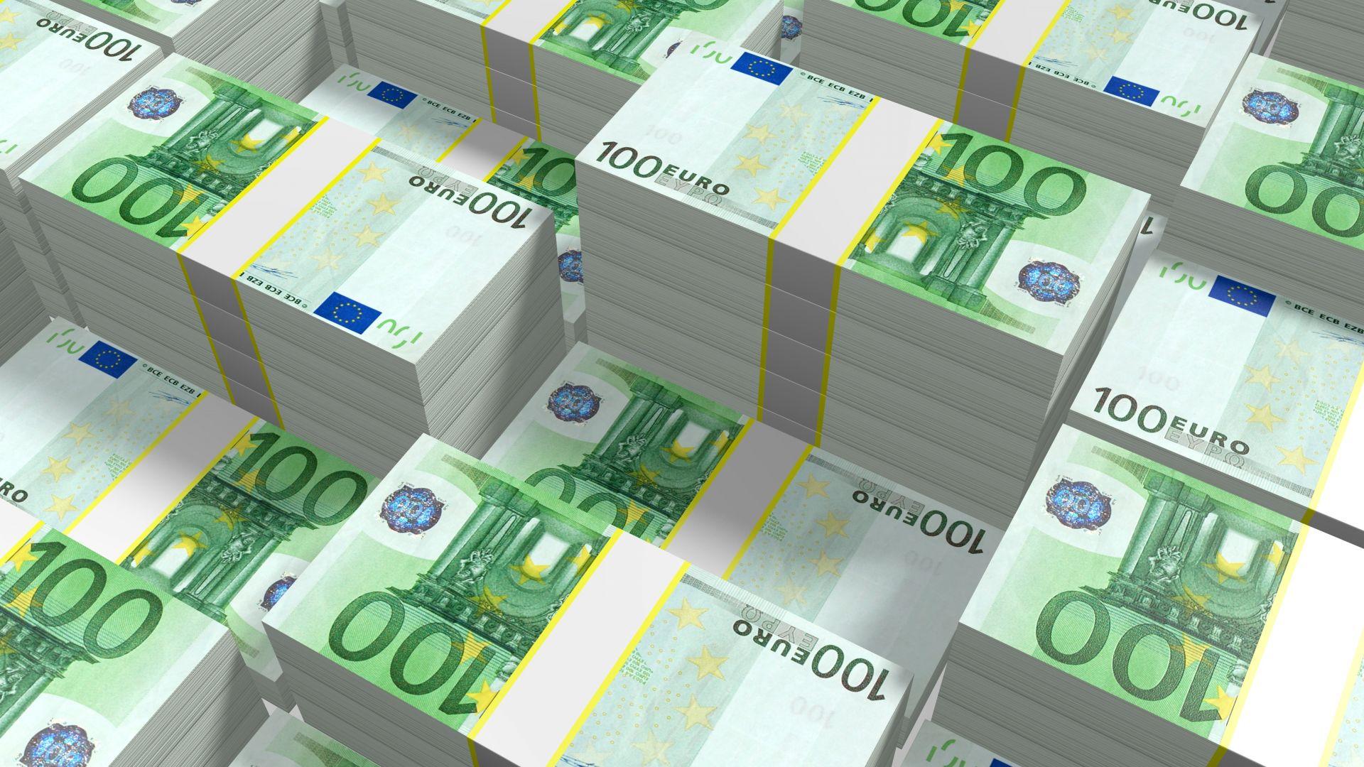 Експерти алармират за бързо трупане на лични резерви в банковите сметки