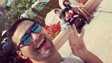 Орлин Павлов и семейството му щастливи в Дубай