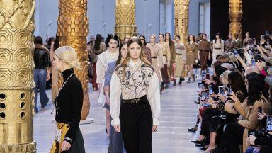 Модна къща Chloe не изневерява на стила си на Седмица на модата в Париж