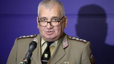 Каракачанов отмени всички прояви в армията заради кончината на ген. Боцев