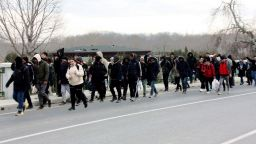 Стотици мигранти вече се насочват към България, Борисов призна за реална заплаха