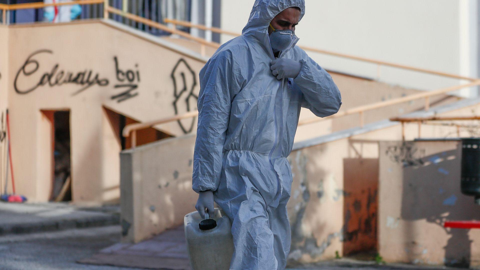 Хотел в Солун е под карантина заради мигрант с коронавирус