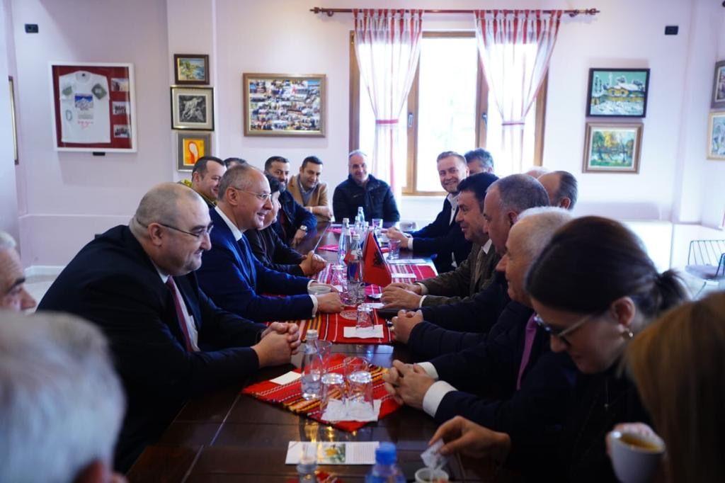 Сергей Станишев днес на среща с представители на българската общност в Тирана