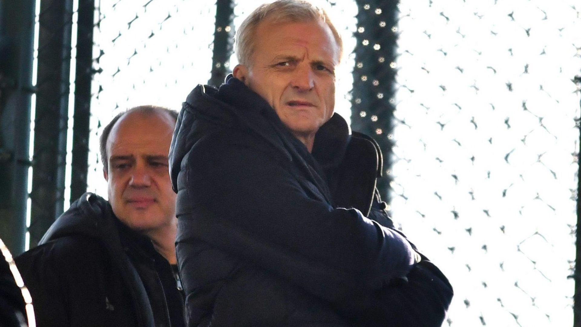 Ганчев се срещна с феновете на ЦСКА, но новини няма