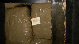 """Откриха близо 35 кг марихуана в сръбски автобус на """"Капитан Андреево"""""""