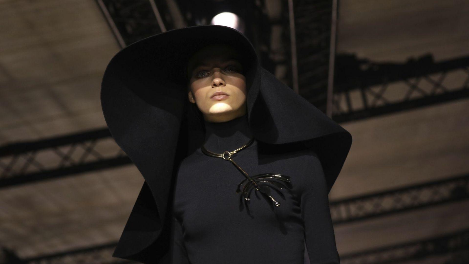 Givenchy залага на твърдостта и на нежността на съвременната жена