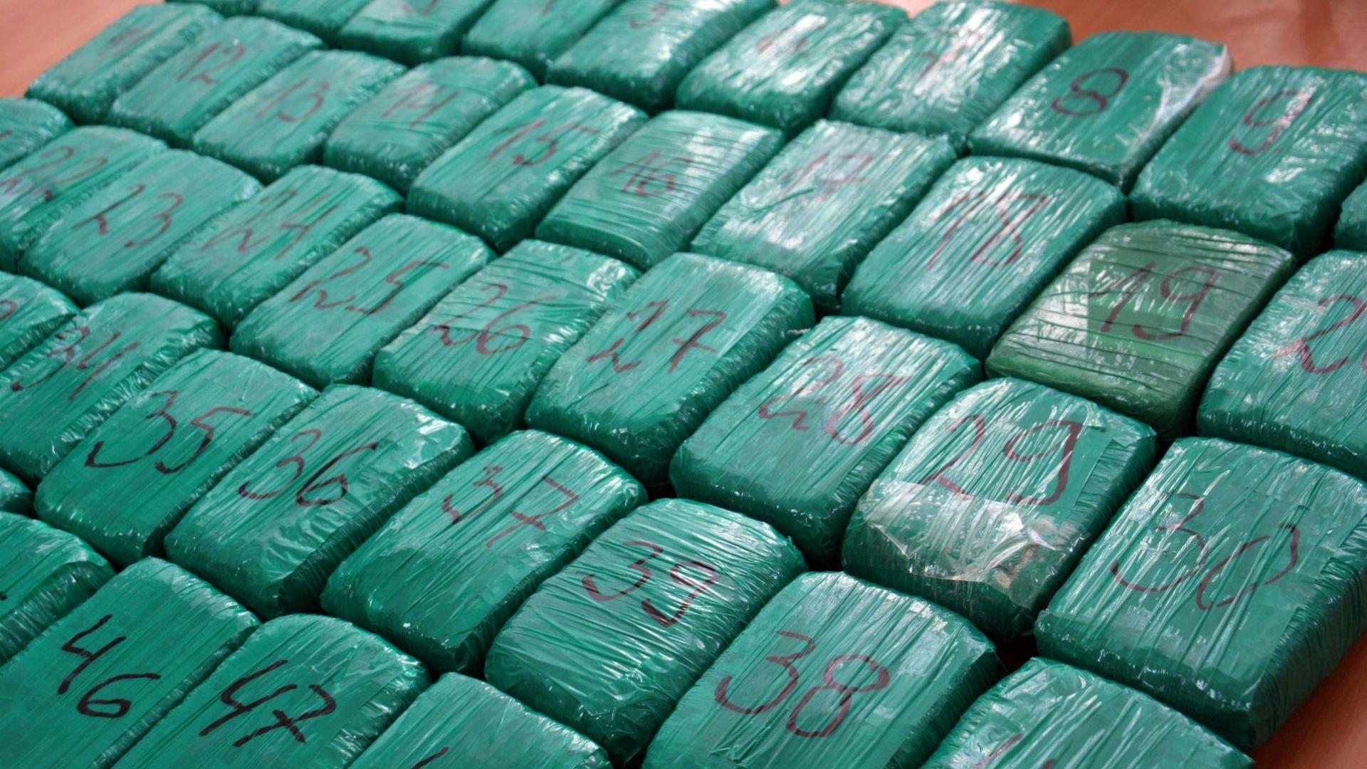 Над 100 килограма хероин е бил открит в кабината на