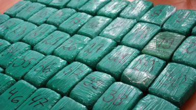 Хванаха над 100 кг хероин, скрит в кабината на босненски ТИР