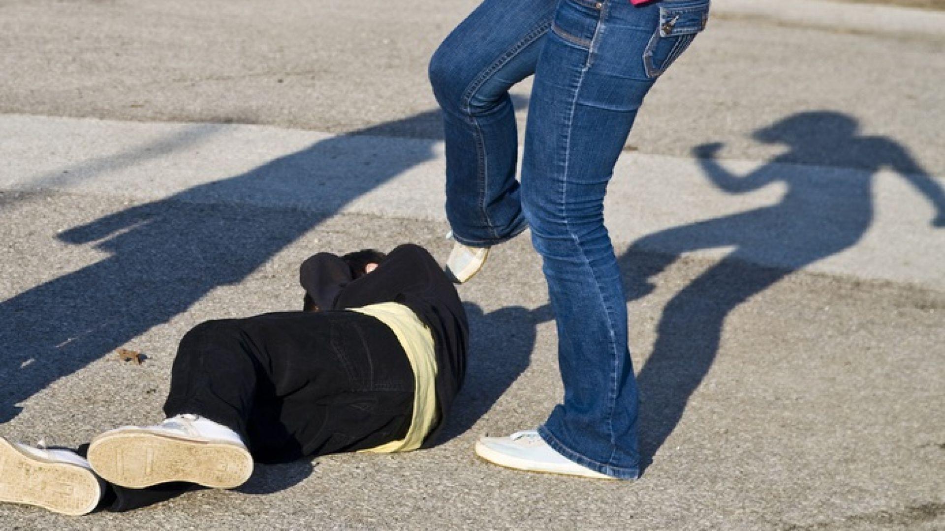Нов брутален бой между ученички в Стара Загора (видео)