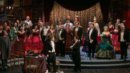 """Аплодират """"Травиата"""" в Софийската опера"""