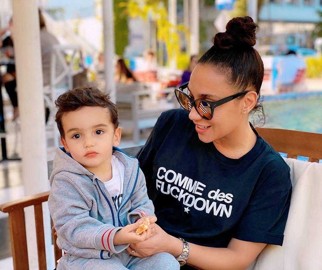 Мария със сина си Александър