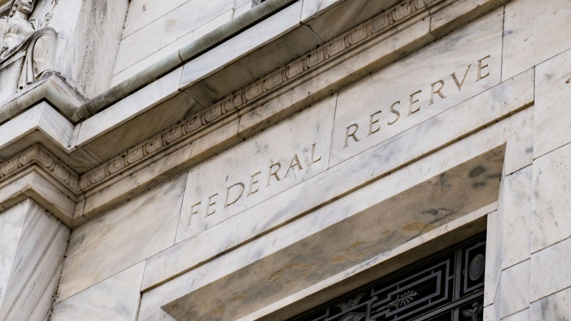 Централната банка на САЩ изненадващо обяви понижение на лихвите
